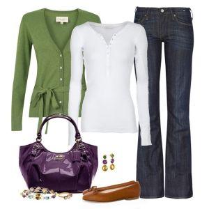 С чем носить коричневые балетки: джинсы, зеленый свитер, фиолетовая сумка