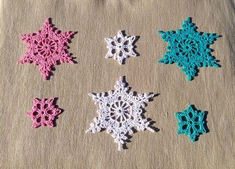 Karácsonyi csipke mintás hópelyhek:), Dekoráció, Karácsonyi, adventi apróságok, Ünnepi dekoráció, Karácsonyi dekoráció, Meska