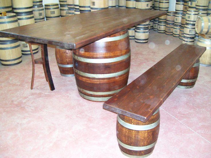 1271 - #Tavolo da #birreria e #osteria da 2 metri con #panca a corredo o #sgabelli treppiede e a #botte. Tel.0547 310171