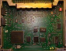 Tranzystory znajdują szerokie zastosowania w elektryce, elektronice i technice.