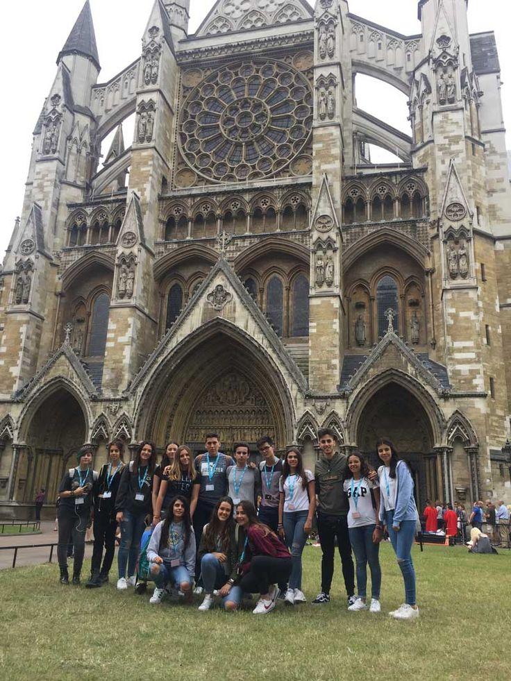 BLOG #TECIdiomas | Primeros días en Londres  Disfrutando de la capital inglesa. Westminister Abbey, Big Ben, London Eye & Tate Modern  Todavía nos quedan muchas cosas por ver  #London #StudyAbroad #StudyEnglish