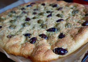 Här hittar du ett gott recept på naturligt glutenfri focaccia. Perfekt till soppa, buffé, som brytbröd på picknick eller bara som ett enkelt mellanmål.