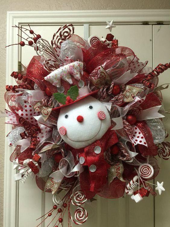 Christmas Snowman Wreaththese are the BEST DIY Holiday Wreath - christmas wreath decorations