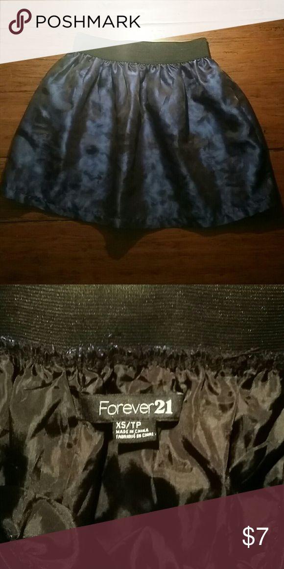 Forever 21 Mini Skirt Beautiful dark royal blue with hints of black mini skirt with a silk like feeling! Forever 21 Skirts Mini