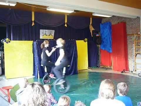 Midwintercircus Circus op de Utrechtse Heuvelrug 23-12-2014 - YouTube