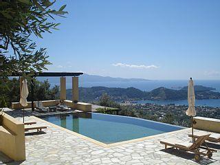 Prachtig uitzicht op de Egeïsche Zee en de omliggende eilanden, gelegen in Olive Grove  Vakantieverhuur in Skiathos van @homeaway! #vacation #rental #travel #homeaway