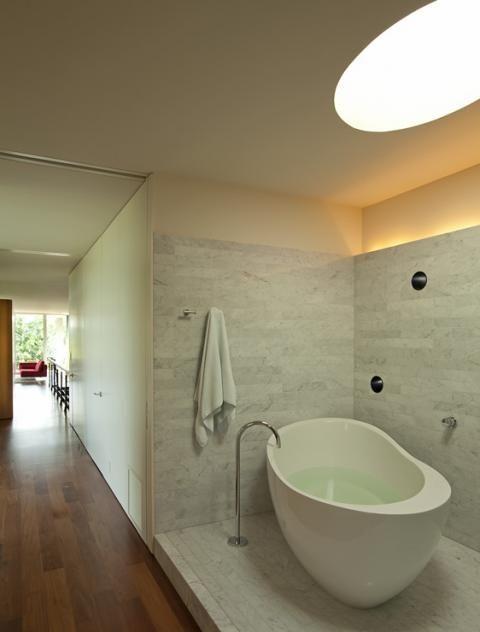 indirekte lichtgestaltung im bad - Corian Dusche Osterreich