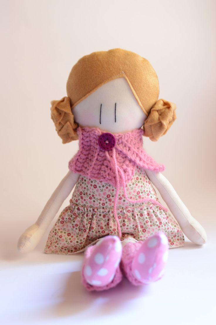 Amicoccole: bambole in tessuto fatte a mano con amore, amiche portatrici di coccole. Le trovi sul mio Etsy Shop.