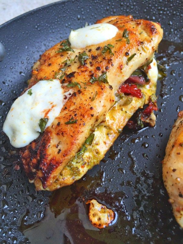Stuffed Pesto Sundried Tomato Chicken | Colorful Foodie 1 c pesto, sun dried tomatoes, fresh mozzarella.