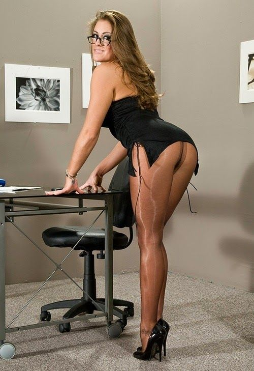 Free pantyhose secretary videos