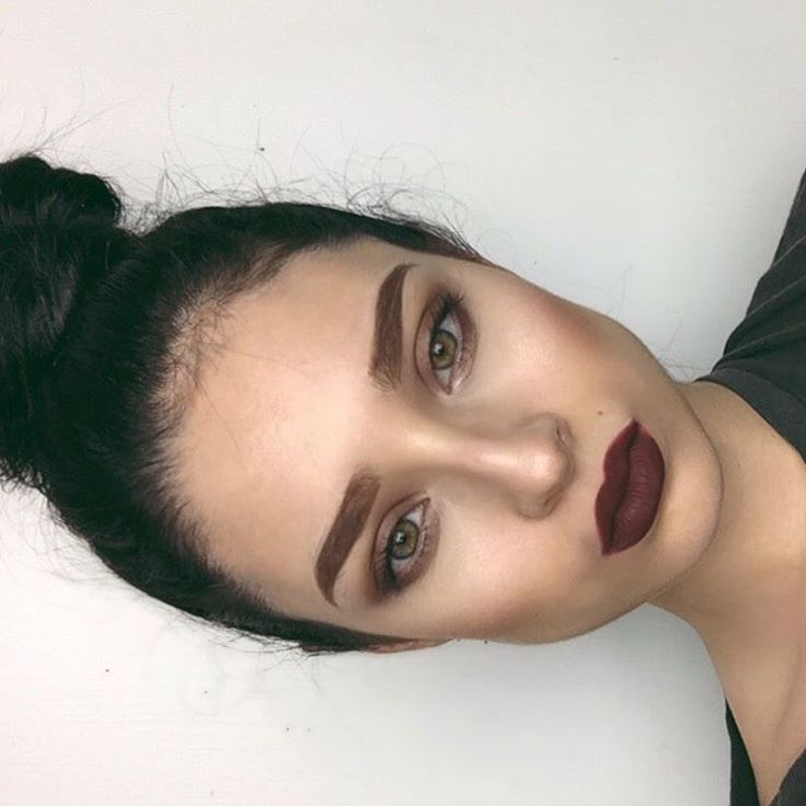 """""""I really tried on my eyebrows. I haven't had them done in ages  """"auburn"""" dipbrow pomade @anastasiabeverlyhills and liquid lips """"Trust Issues""""  enjoying…"""""""