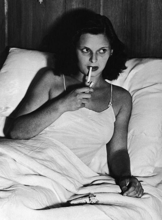 LUCIA BOSE ELUE REINE D'ITALIE 1947