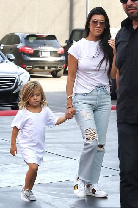 Kourtney Kardashian wearing Gucci Ace Embroidered Sneakers, Chloe Isadora Sunglasses and Re/Done 1960s Slim-Fit T-Shirt