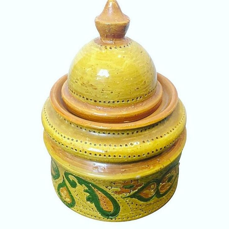 """Gorgeous Vintage Bitossi Lidded Tobacco Jar. Wonderful example of funky mid century Italian ceramiche ! 6"""" x 6"""" x 8.5. Makers Mark on Bottom. For $ale! $280.00. FREE SHIPPING. Purchase is easy. Simply DM me your email address and your shipping address. I send invoice. You pay invoice. I pack and ship!"""
