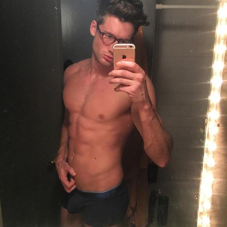 Zach Dare (x)