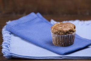 Muffin con Manzana, Canela y Nuez Sin Gluten  www.demetria.co   Gluten Free Apple Cinnamon Nut Muffin