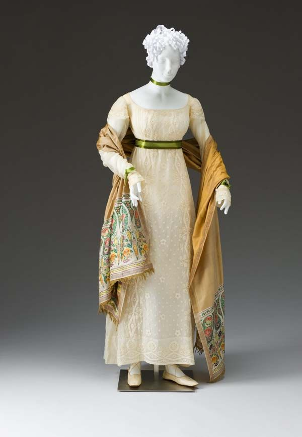 Dress, 1810-1815, cotton. The Mint Museum. http://www.mintmuseum.org/resources/collection-database/item-detail/2009.33.2a-b/Dress