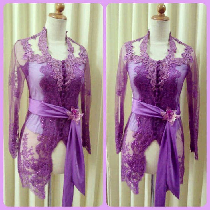 Kebaya Bali ungu.