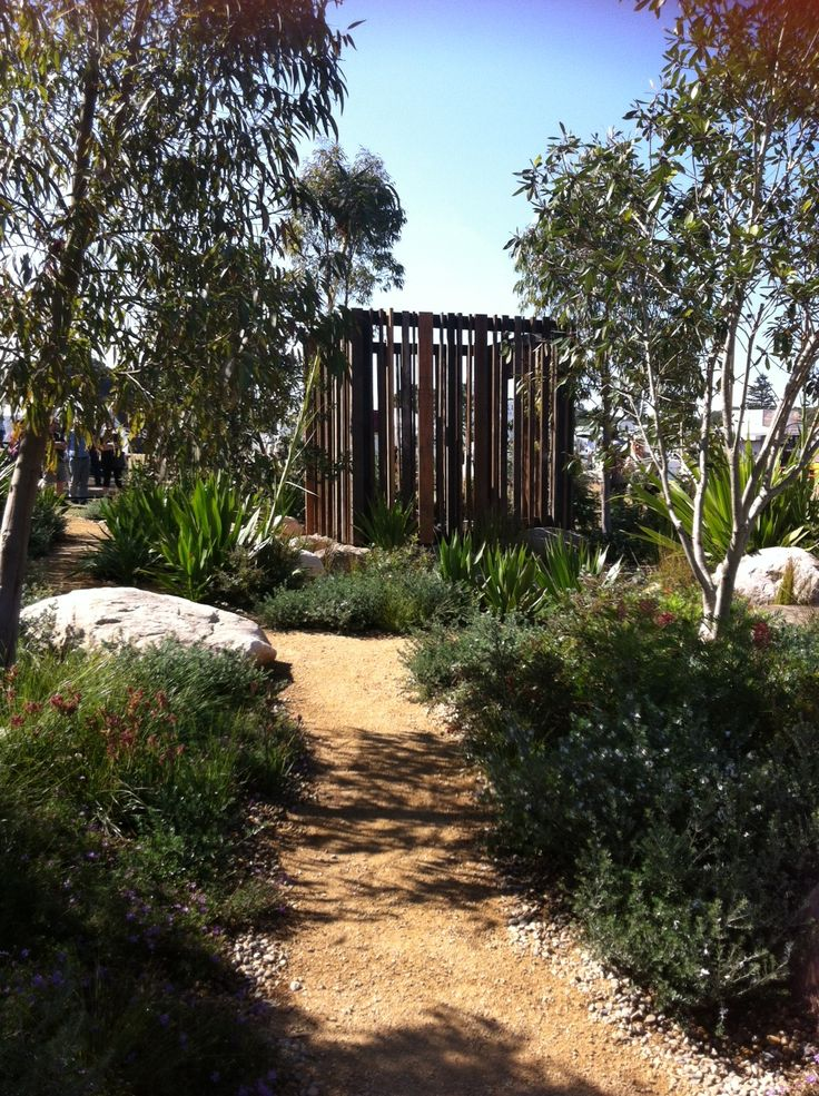 The September Sky show garden at the Australian Garden Show Sydney. Designers Andrew Fisher Tomlinson and Tom Harfleet. A beautiful garden using Australian native plants. Quite an achievement for two English designers!