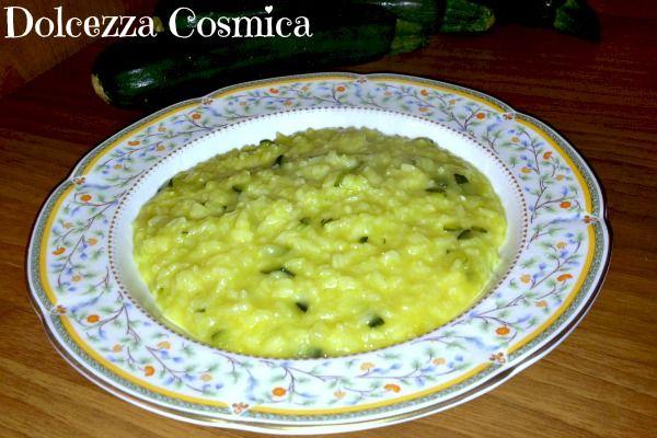Risotto zucchine e zafferano ricetta delicata