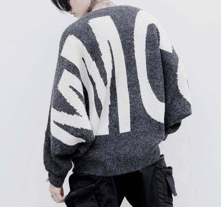 MMCC bat sleeve sweater