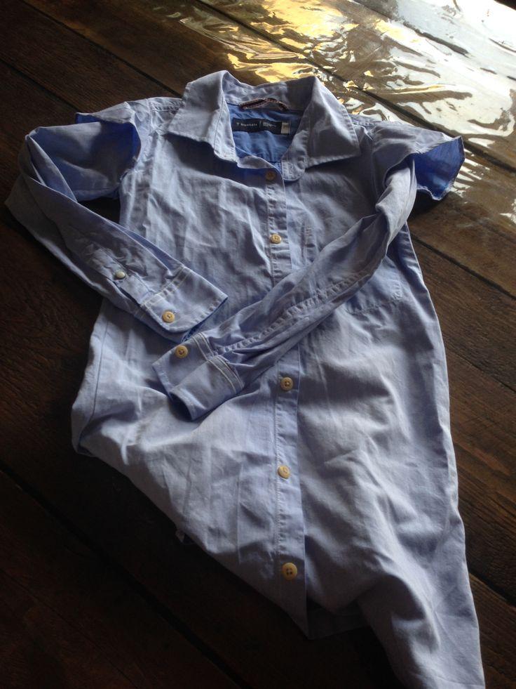 Jurkje gemaakt uit te klein overhemd... jammer genoeg vonden dochter en nichtje het niet mooi en is het nooit gedragen :(