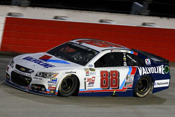 A list of the 2015 Most Popular NASCAR Diecast Cars has been released. Here's a photo album (in order) of the top 10 cars sold https://racingnews.co/2015/12/17/2015-most-popular-nascar-diecast-cars/ #dalejr