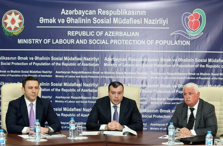 Sahil Babayev Nazirlik Yaninda Ictimai Suranin Uzvləri Ilə Gorusub The Republic Protection Omak