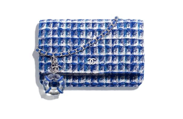 ae0963969ce2c Classic Wallet On Chain, tweed, resin & silver metal., blue, white &  silver. - CHANEL