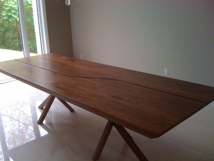 Table de cuisine en noyer massif Design: Caroline Trudeau Fabrication; ATELIER-001A
