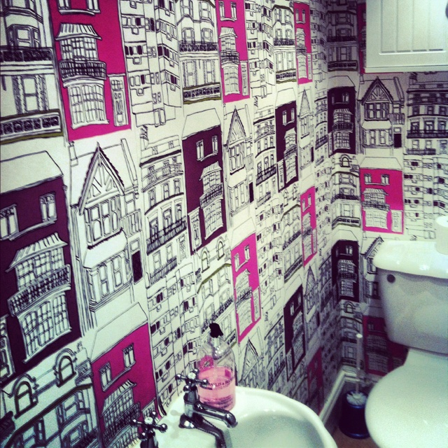 Best 25 quirky wallpaper ideas on pinterest blue door for Quirky wallpaper