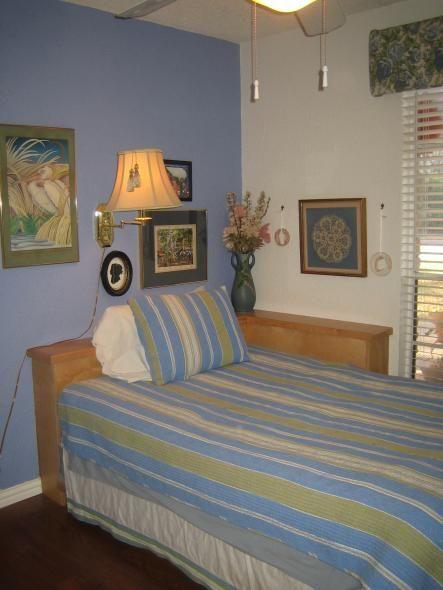 1000+ ideas about Corner Headboard on Pinterest   Corner beds ...