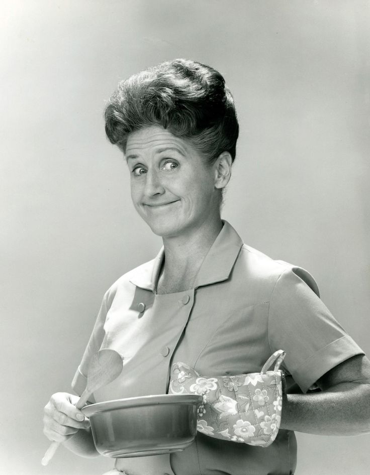 """Ann B. Davis, Housekeeper Alice on 'The Brady Bunch,' Dies at 88 - NBC News She was a delight and was apparently a kind and loving woman. Thank you for sharing your gifts with us all, Ann B. Davis: """"Alice""""."""