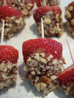 Salted caramel covered strawberries | Cooking Ideas! | Pinterest