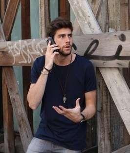 Alvaro Soler al cellulare