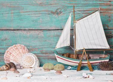 Tavole marine ad uso Shabby….. Appropriate, è la definizione che azzarderei per questa tendenza di realizzare queste simpatiche composizioni (un mix di pittura e natura marina) su tavolocce usate (o anche scarti di demolizioni di vecchie palazzine), dove era, ma lo è tutt'ora, consuetudine piazzare sul tetto, delle tavole di legno dove adagiare le canalette, ... Leggi ancora