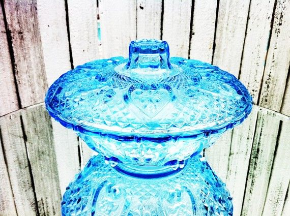 depression glass: Glass Candy, Antiques Glasses, Depression Glasses Blu, Blue Glassware, Glasses Depression, Blue Glasses, Blue Depression, Candy Bowls, Glasses Candy