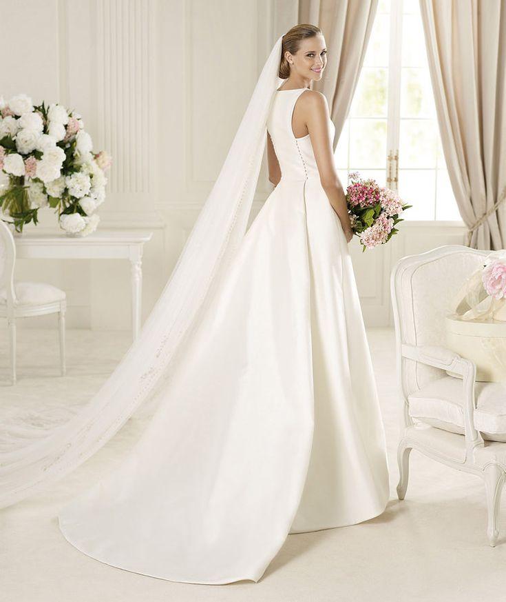 Pronovias apresenta o vestido de noiva Galardon, Manuel Mota 2013. | Pronovias