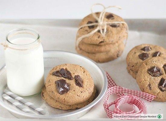 Biscotti di farro speziati con gocce di cioccolato  | casadivita.despar.it