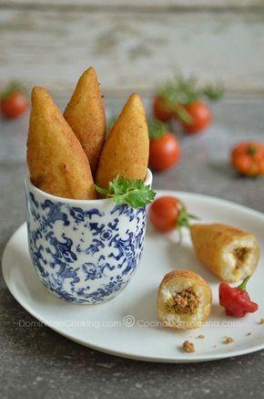 Receta Chulitos de Yuca   Estos rollitos son la comida esencial de las frituras callejeras: deliciosas, y una de mis picaderas favoritas.