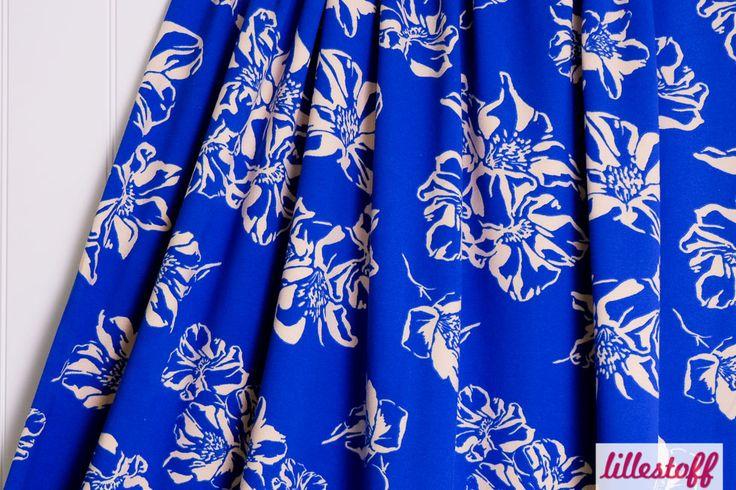 lillestoff Woman » Blue Lilly « // hier erhältlich: http://www.lillestoff.com/bluelilly.html
