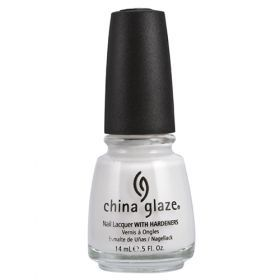 China Glaze Βερνίκι 622 Moonlight 14ml Η εταιρεία China Glaze είναι αφοσιωμένη στην δημιουργία υψηλής ποιότητας, επαγγελματικά προϊόντα για τα νύχια. Με χρώματα  που βρίσκονται στην αιχμή της μόδας και καλύπτουν όλες τις  ανάγκες τα βερνίκια μας περιέχουν το φυσικό σκληρυντικό China  Clay* που δίνει στην πορσελάνη την ανθεκτικότητα και την λάμψη  της. Όλα τα προϊόντα μας κατασκευάζονται στην Αμερική με τις  αυστηρότερες προδιαγραφές. Αναλυτικά στο www.femme-fatale.gr Τιμή €10.00