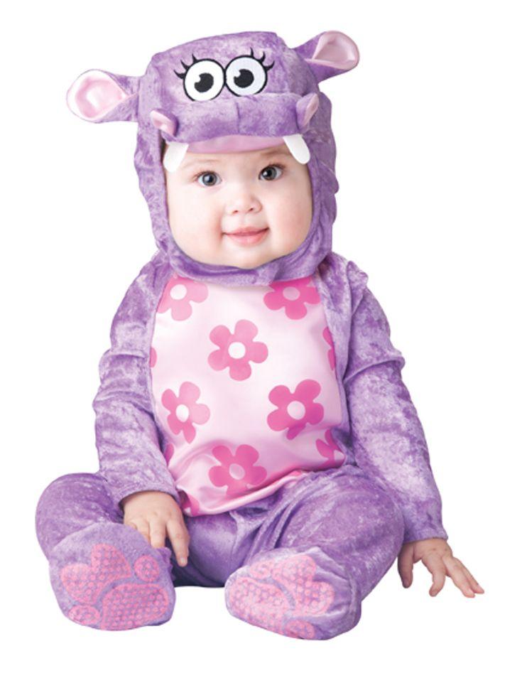 Costume da ippopotamo viola per neonato - Classico: Questo travestimento da ippopotamo per bebé è composto da una tutina integrale e di un copricapo.La tutina include anche i piedini ed è di colore viola con il pancino rosa...