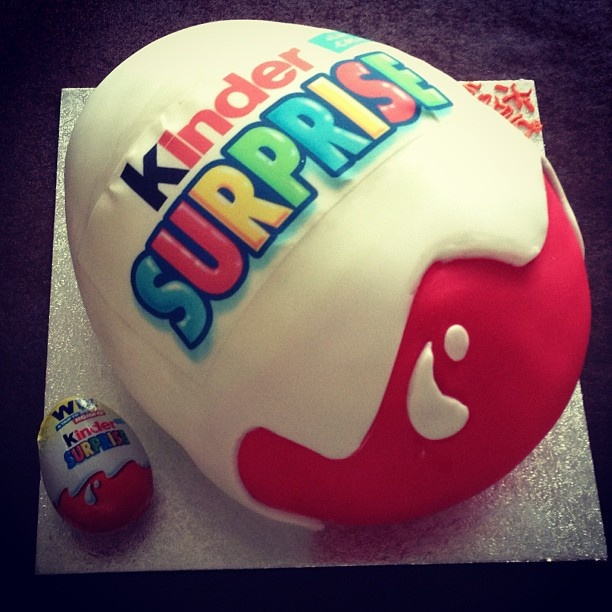 Kinder surprise cake!