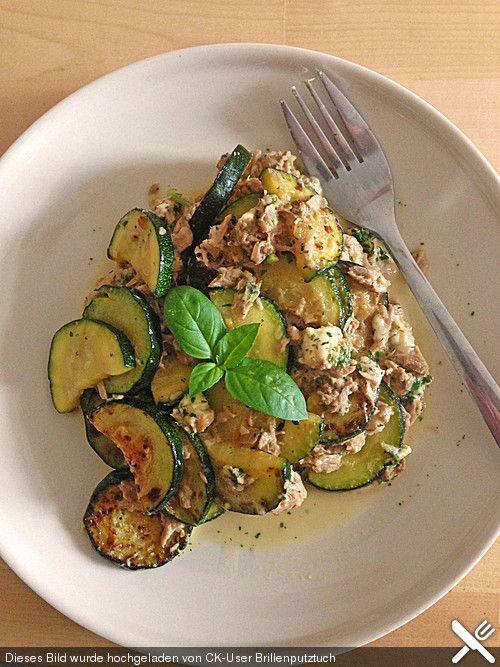 Zucchini - Thunfischpfanne, ein sehr leckeres Rezept aus der Kategorie Fisch. Bewertungen: 179. Durchschnitt: Ø 4,4.