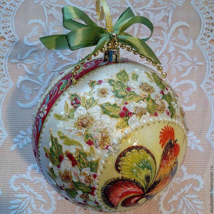 Купить или заказать Новогодний шар 'Петушок' в интернет-магазине на Ярмарке Мастеров.