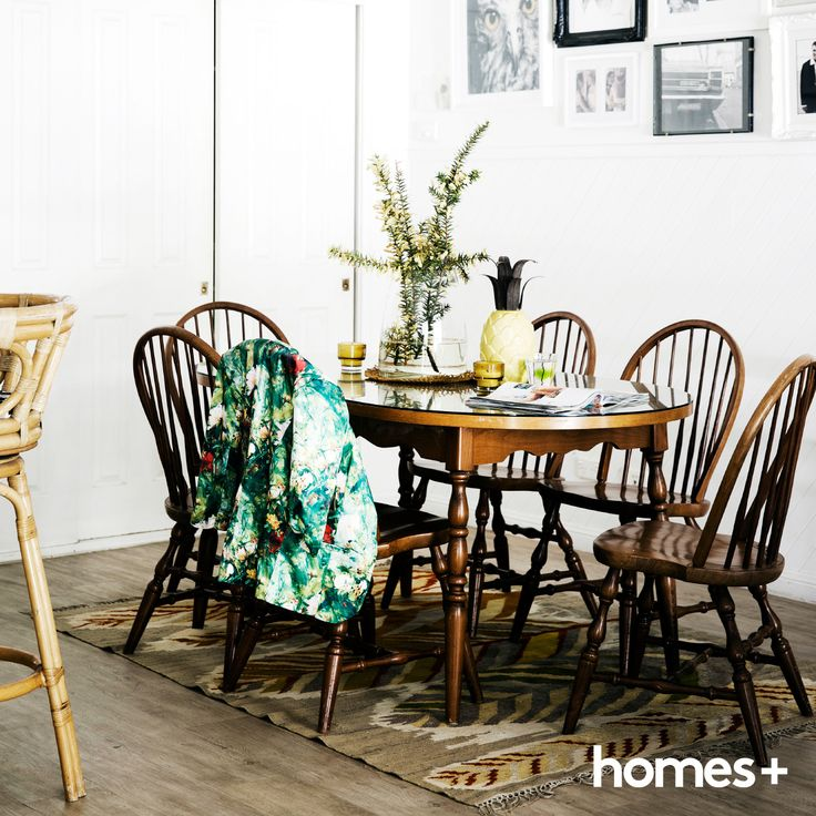 Karen has mixed old finds with new finds in her #dining #room with an #antique #rug and dining set from #eBay. As featured in the May 2015 issue of homes+. #beach #style #home #house #table #chairs #artwork #art #decor #style #interior #beachhouse #Homesplusmag