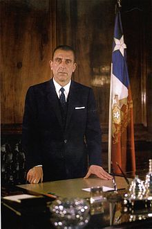 Eduardo Frei Montalva en su escritorio de La Moneda.jpg Presidente de Chile, que llevo a cabo el inicio de la Nacionalización del Cobre. En este contexto, se produjo la Operación Valle, por la cual se erradicó a los trabajadores y familias de los campamentos de El Teniente, que luego fueron ubicados en Rancagua en la década de 1970.