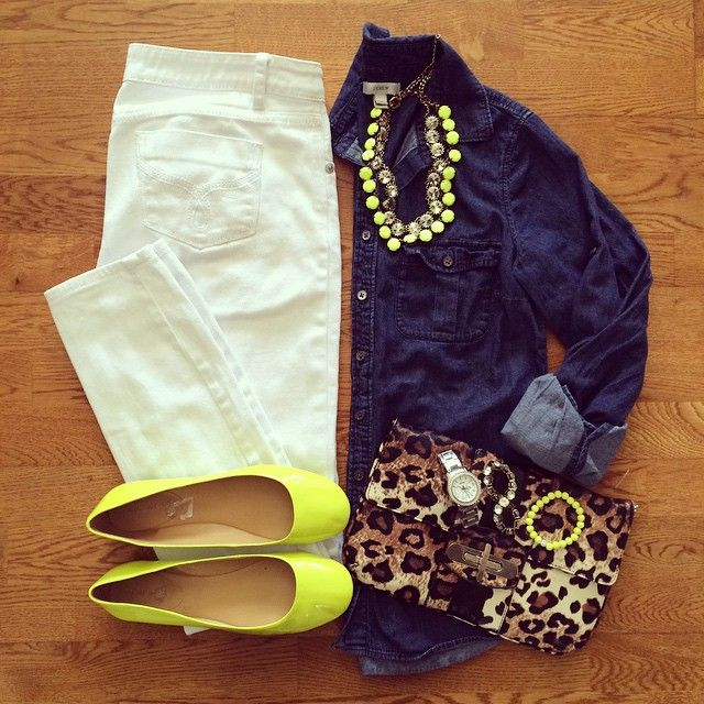 Chambray Shirt, White Jeans, Neon Flats, Leopard Clutch | #casualstyle #weekendwear #liketkit | www.liketk.it/1anLW | IG: @whitecoatwardrobe