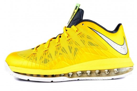 Ürün Teknolojisi:  Lebron James SerisiLeBron dört çeyrek için olağanüstü koruma, oyun, hız, çeviklik ve kuvveti bir araya getirir.Ayakkabın...